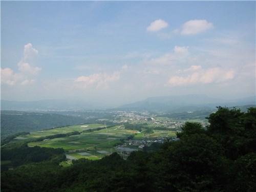 椎坂峠より沼田方面を眺める